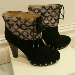COACH SIGNATURE BOOTIES (brand new) bl
